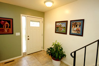4-Foyer-921 Jamestown Rd