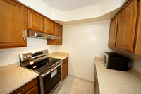 14-Kitchen-1102 Aspen Dr