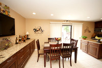 15-Breakfast Area-735 Twin Rivers Dr N