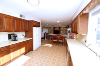 16-Kitchen-950-Windsor-Perrineville-Rd
