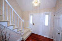 8-Foyer-950-Windsor-Perrineville-Rd
